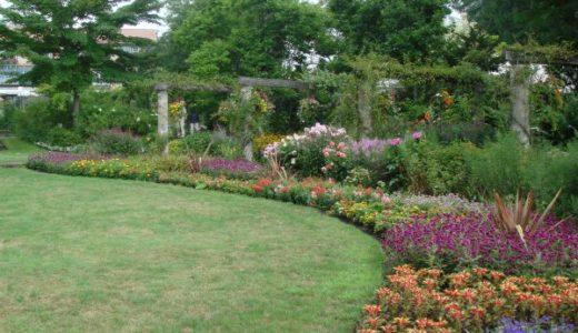 蓼科高原バラクライングリッシュガーデンは日本初の本格的英国式庭園!