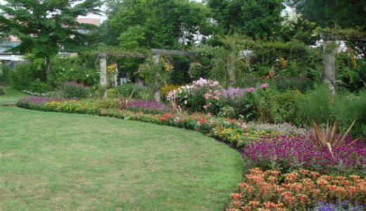 日本初の本格的英国式庭園「蓼科高原バラクライングリッシュガーデン」