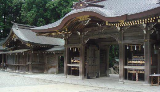 新潟県「彌彦神社」境内には国重要文化財「十柱神社」や見どころがたくさん!