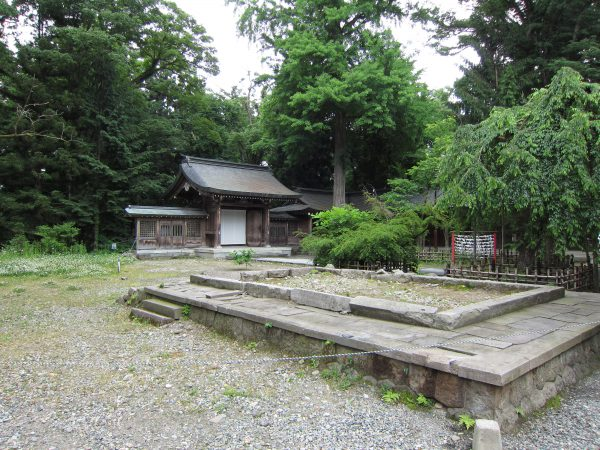 isasumi-shrine-2012-01
