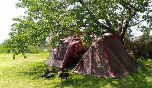 海が見えるコテージ&キャンプ 高台にある木々に囲まれた小さなキャンプ場