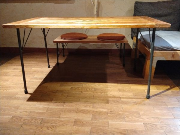 table-with-iron-legs11