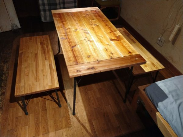 table-with-iron-legs12
